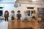 """Detailgetreue Adaption von Playmobil-Spielfiguren (ca. 80 cm Höhe)- geschnitzt, mit beweglichen Armen und drehbaren Köpfen, bemalt - für Playmobil Funpark - Produktion """"Aschenputtel"""". Dazu fertigten wir eine auf einen Drehkranz gelagerte Spielbühne mit drei verschiedenen Kulissenbildern und einem erhöhten Laufgang für die Figurenspieler. Die gesamte Bühne ist zusammen klappbar und auf Rollen gelagert für Transport/Lagerung."""